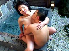 【エロ動画】母子温泉旅情 堀之内多恵 60歳のエロ画像