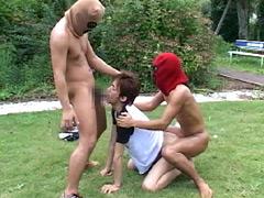 真夏の公園で覆面二人に強制レイプ!