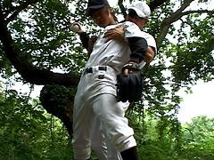 【やきゅうしょうねんげいどうが】野球少年がコーチから性の野外特訓を受ける!-ゲイ
