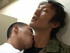 【ゲイ動画自衛隊】自衛官の秘密!猥褻個人指導、師弟ファック!!のダウンロードページへ