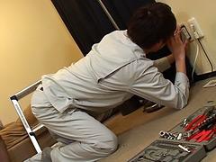 【ゲイビ 無料】イケメン電気工事士が点検中に因縁をつけられ犯される!