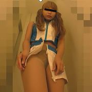 美人モデルたちのローアングル生着替え