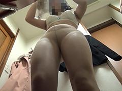 更衣室の置き去りカメラ ナースなお着替え Vol.4