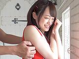 大人気女優 桐山結羽ちゃんの脇くすぐり!