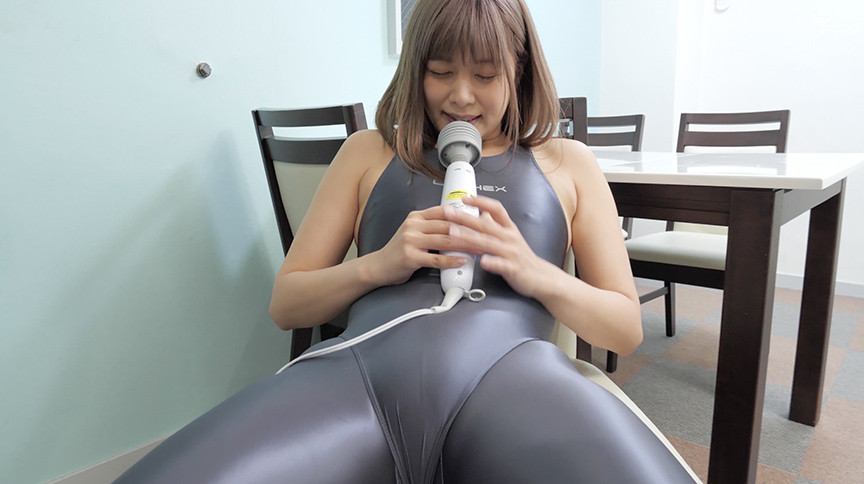紺野ひかるチャンの舌ベロ観察&電マ本気オナニー!