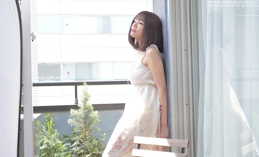 大人気女優 浜崎真緒チャンの舌ベロ動画&オナニー!