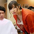 素人・ハメ撮り・ナンパ企画・女子校生・サンプル動画:胸チラに気付かず働く美人店員