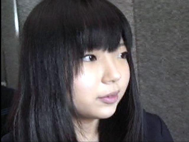 京人形のような美少女のちんちん玉遊び