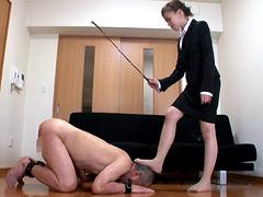 M男チ○ポを発情させる就活女子の生足生尻圧迫責め