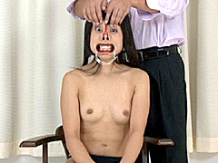 拘束されたスレンダー巨乳モデル美女が媚薬塗られてイカされまくり潮吹きまでしちゃう奴隷調教動画
