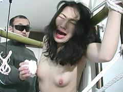 【エロ動画】人妻奴隷 悶絶!野外雪埋め調教のエロ画像