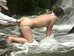 人妻奴隷 野外鞭打ち滝責め調教