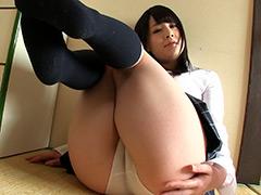 柔らかすぎる太腿、むちむちすぎるパンチラ