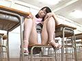 サスペンダースカートを穿いた女の子の無邪気なパンチラ サムネ18