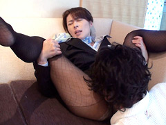 【エロ動画】黒ストの似合う熟女 スチュワーデス編の人妻・熟女エロ画像