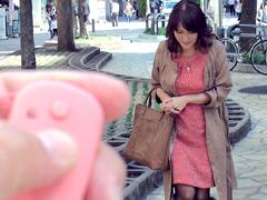 【エロ動画】新作リモコンバイブの肉体テストに来た美熟女2のエロ画像