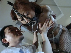 【エロ動画】オフィス奴隷牝 忍従花 若月樹里のエロ画像