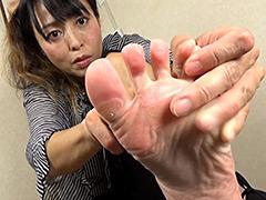 足裏:【足のにおい】 メイクさん・猛暑日2日ばき