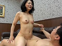 【エロ動画】色香漂う熟れた人妻 Vol.3 股間までさらして…のエロ画像