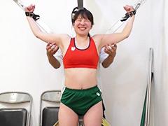 くすぐり:元女子陸上選手を拘束してくすぐりの刑にかけてみた!