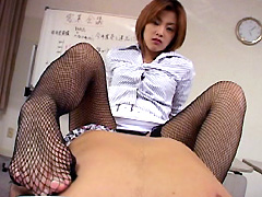【桜田さくら動画】エロ美脚な恥女美人お姉さん-桜田さくら-痴女