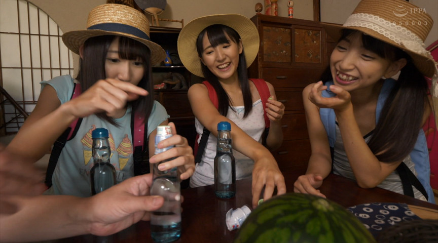エロ動画7 | 日焼け●学生三姉妹の夏休み 令和二年の夏サムネイム01