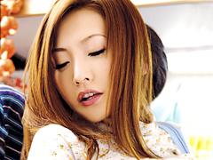 【エロ動画】団地妻 午後の人妻マ○コは淫ら汁でビチャビチャ のエロ画像
