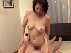 【エロ動画】絶対的閉経熟女の性欲開放!濃厚ファック!! 15人4時間のエロ画像
