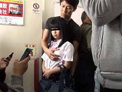 女子校生ぶっかけレイプ痴漢電車
