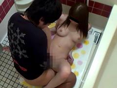 泥酔して帰ってきた姉を風呂で犯す愚弟の映像