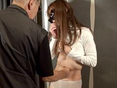 【エロ動画】お腹を殴られたい女のSM凌辱エロ画像