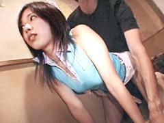 【エロ動画】居酒屋で客にバレないように強制SEX2のエロ画像