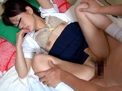 制服淫行 少女を狙い発育のいい身体を弄ぶ