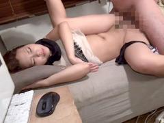 【エロ動画】持ち帰られた泥酔美人妻3の人妻・熟女エロ画像