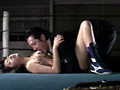 Tバックレスリング 〜私をベッドでフォールし...