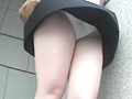 風中の少女3 風に舞うスカート