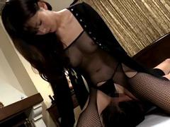 【エロ動画】ザーメンをこよなく愛する美痴女 ガチ攻め顔騎強制飲尿のエロ画像
