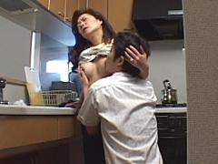 近親相姦 家庭内盗撮