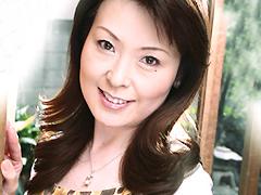 【エロ動画】近所のエプロンおばさん物語 黒崎ヒトミのエロ画像