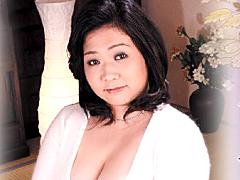 【エロ動画】近親相姦 熟母の園 丸山みさのエロ画像