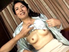【エロ動画】六十路巣鴨美人妻 雪村あずさの人妻・熟女エロ画像