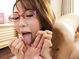 蛇舌で男のすべてを舐めまわす淫乱デリヘルおばさん