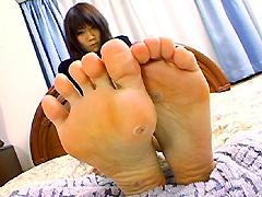 足裏を見せる女13