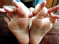 足裏を見せる女10