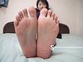 足裏を見せる女7