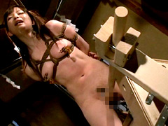 【エロ動画】SM淫魔大戦 少女退魔師くいこみ木馬地獄股間しごきのSM凌辱エロ画像