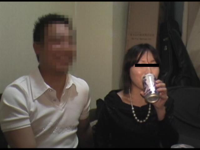 バイト仲間の飲み会で酔っ払ってヤッちゃいました の画像1