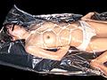 【1】呼吸穴付きの布団圧縮袋で真空拘束した後、呼吸
