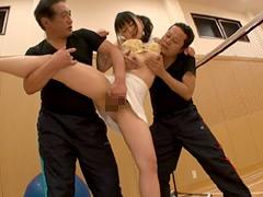 【エロ動画】巨乳女子バトミントン社会人部のエロ画像