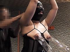 【エロ動画】アナルママ 乳首とクリ虐めのエロ画像